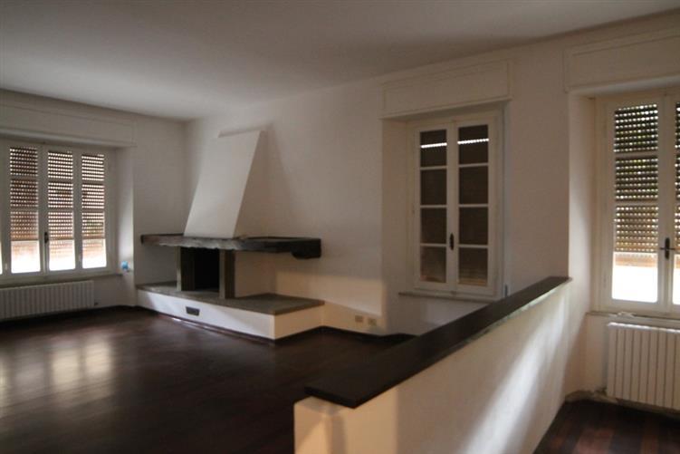 Villa Bifamiliare in vendita a Grosseto, 7 locali, zona Località: CENTRO, prezzo € 430.000 | Cambio Casa.it