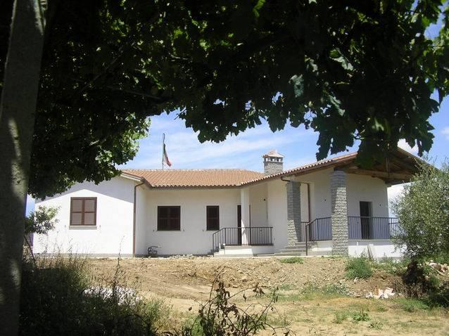 Casa in vendita montefiascone in provincia di viterbo a for Idea casa arezzo
