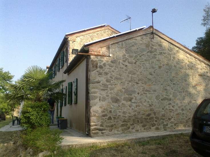 Rustico / Casale in vendita a Baone, 5 locali, zona Zona: Rivadolmo, prezzo € 300.000 | Cambio Casa.it