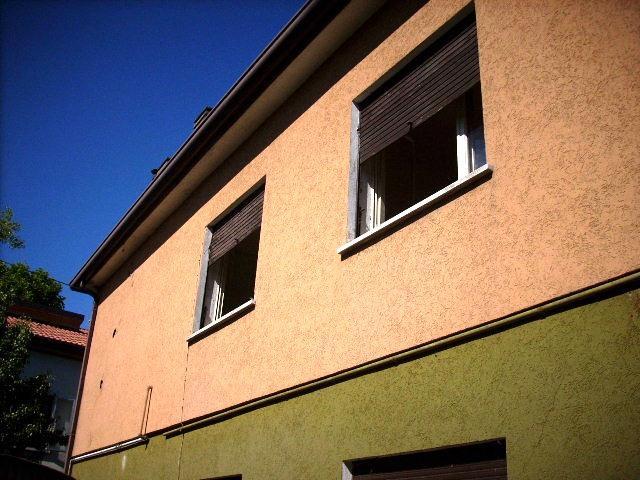 Soluzione Indipendente in vendita a Este, 8 locali, prezzo € 220.000 | Cambio Casa.it