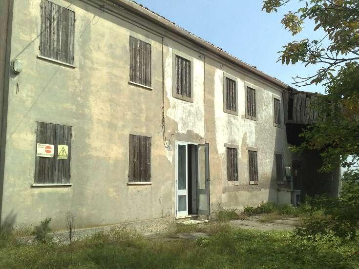 Rustico / Casale in vendita a Monselice, 8 locali, prezzo € 115.000 | Cambio Casa.it