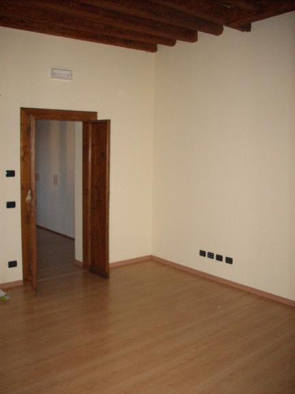 Ufficio / Studio in affitto a Este, 2 locali, prezzo € 350 | Cambio Casa.it