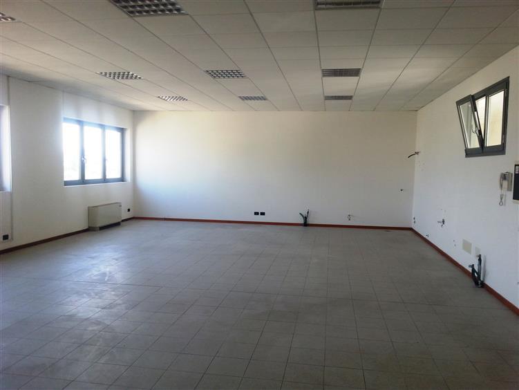 Ufficio / Studio in vendita a Este, 1 locali, prezzo € 105.000 | Cambio Casa.it