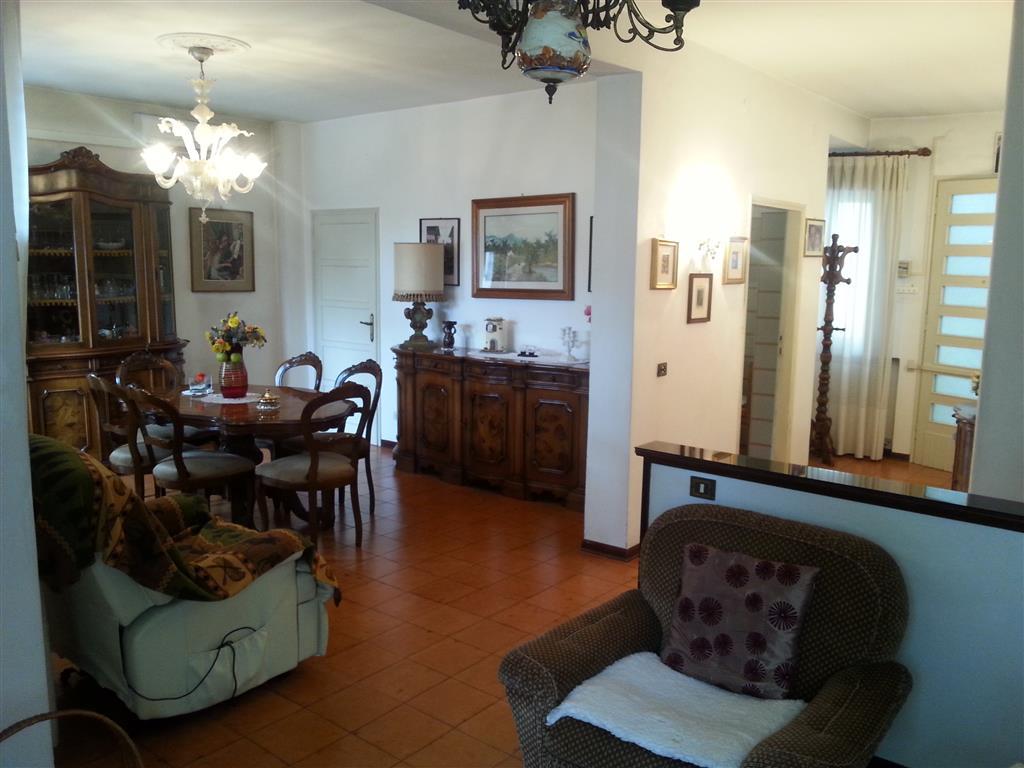 Appartamento in vendita a Este, 5 locali, prezzo € 65.000 | Cambio Casa.it