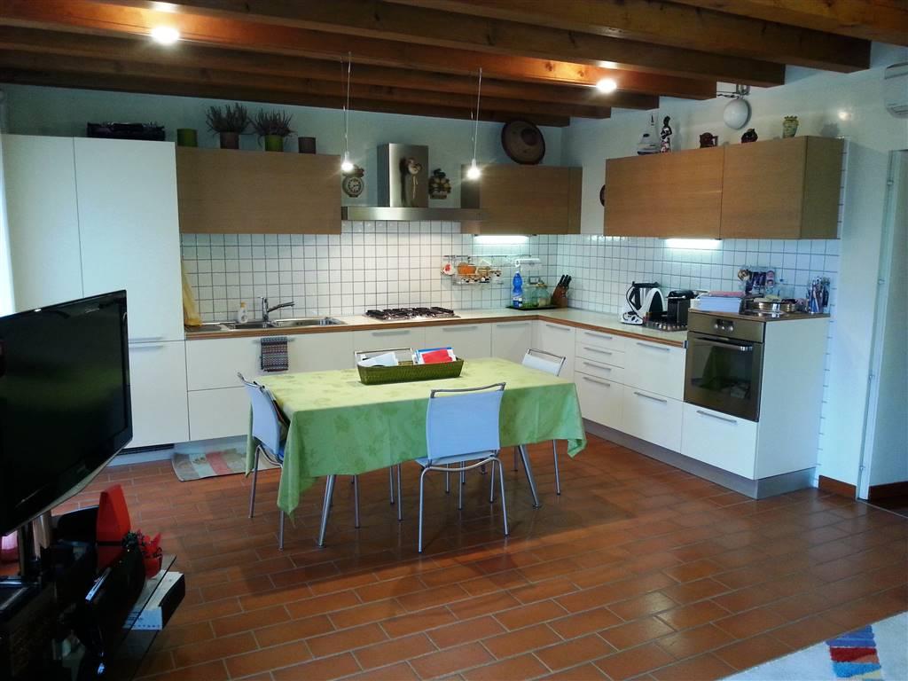 Appartamento in vendita a Este, 3 locali, prezzo € 180.000 | Cambio Casa.it