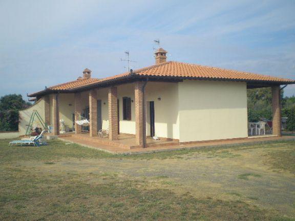 Villa Bifamiliare in vendita a Grosseto, 4 locali, prezzo € 280.000 | Cambiocasa.it