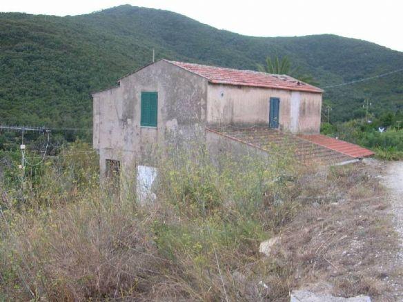 Rustico / Casale in vendita a Portoferraio, 8 locali, prezzo € 320.000 | CambioCasa.it