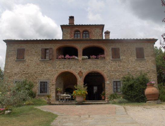 Rustico / Casale in Vendita a Foiano della Chiana