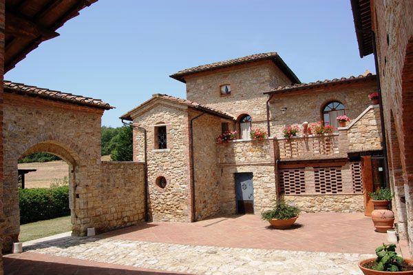 Azienda Agricola in Vendita a Monteroni d'Arbia