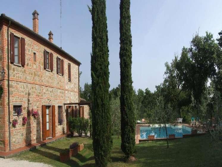 Rustico / Casale in Vendita a Torrita di Siena