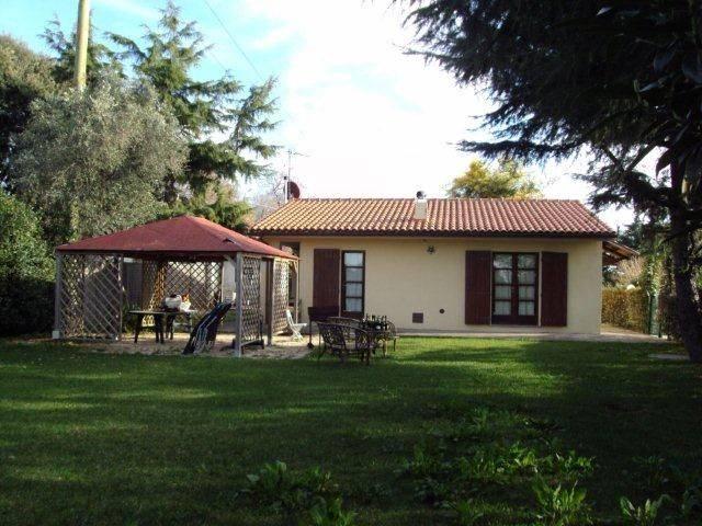 Soluzione Indipendente in vendita a San Vincenzo, 5 locali, prezzo € 450.000 | CambioCasa.it