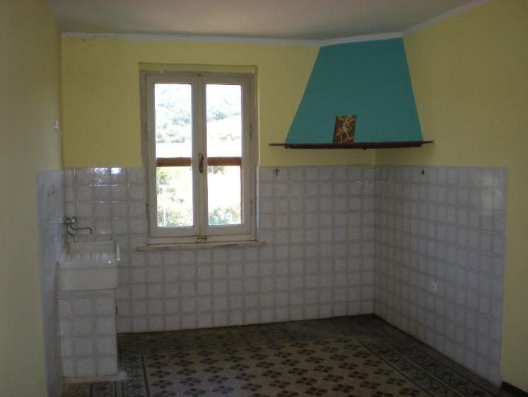 Palazzo / Stabile in Vendita a Gavorrano
