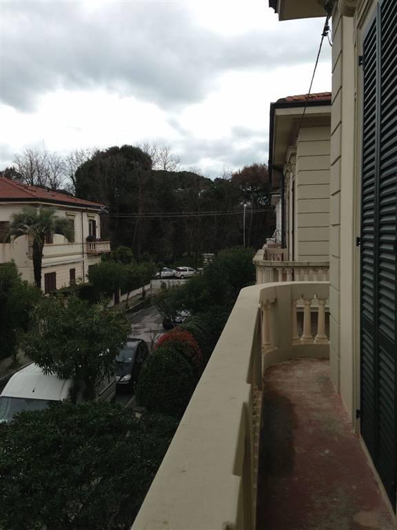 Villa in vendita a Viareggio, 7 locali, Trattative riservate | Cambio Casa.it