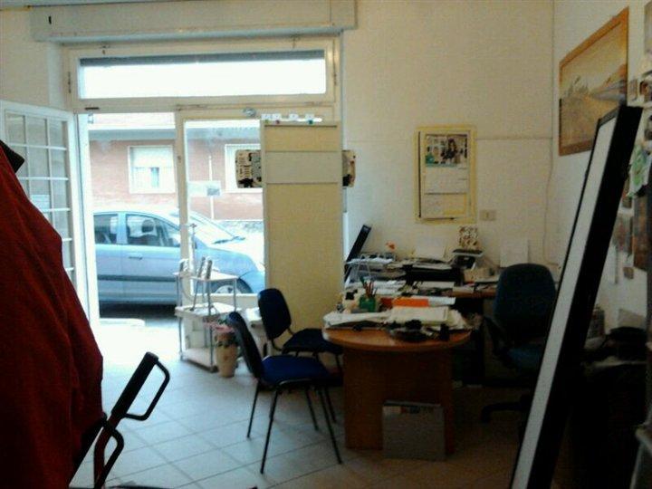 Immobile Commerciale in vendita a Follonica, 2 locali, zona Località: PRATORANIERI, prezzo € 100.000 | Cambio Casa.it