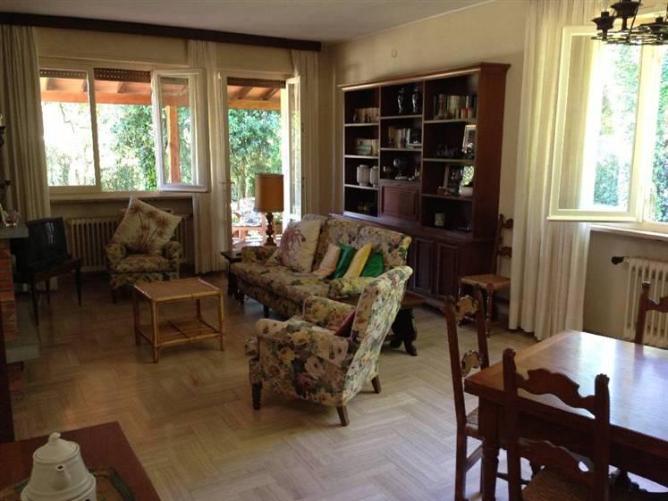 Villa in vendita a Pietrasanta, 6 locali, Trattative riservate | CambioCasa.it