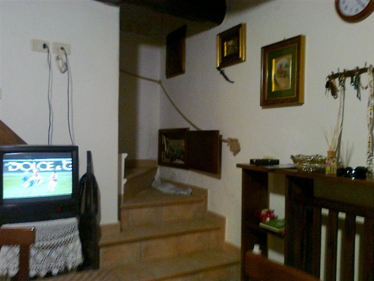 Soluzione Indipendente in vendita a Santa Fiora, 5 locali, zona Zona: Bagnolo, prezzo € 100.000 | CambioCasa.it
