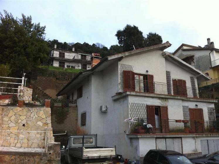 Villa Bifamiliare in Vendita a Gavorrano