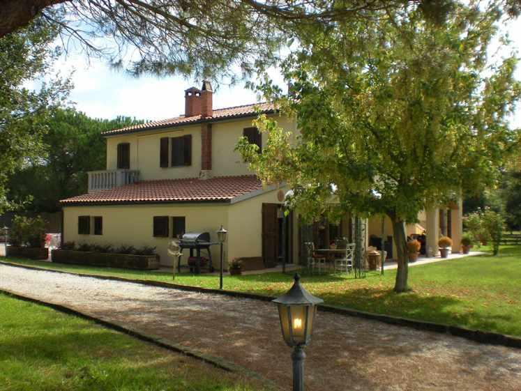 Villa in vendita a Scarlino, 12 locali, Trattative riservate   CambioCasa.it