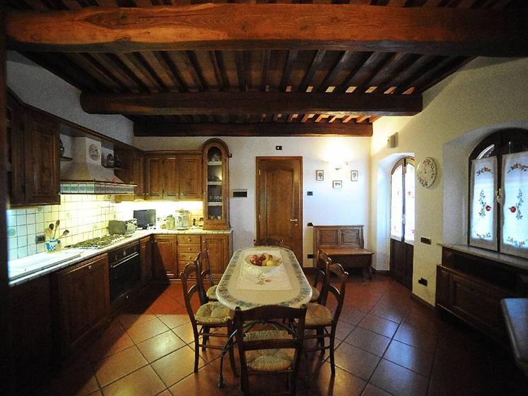 Rustico / Casale in vendita a Gavorrano, 50 locali, Trattative riservate | CambioCasa.it