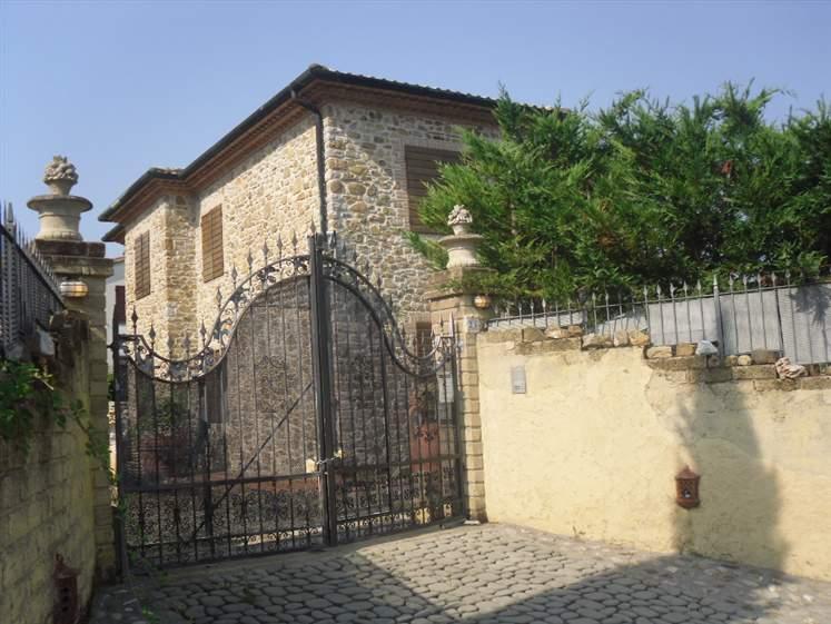 Rustico / Casale in vendita a Follonica, 10 locali, prezzo € 2.000.000 | CambioCasa.it