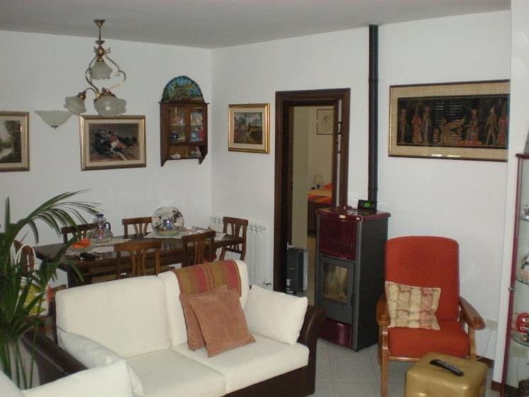 Appartamento in vendita a Scansano, 6 locali, prezzo € 165.000 | CambioCasa.it
