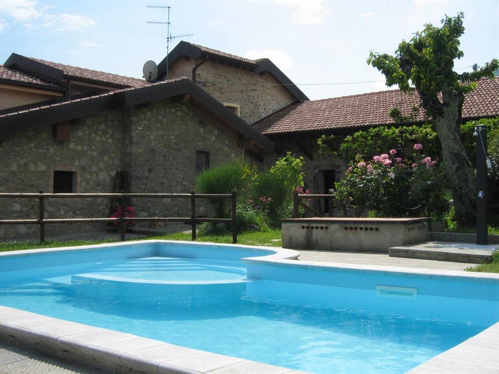 Agriturismo in vendita a Pontremoli, 25 locali, Trattative riservate | Cambio Casa.it