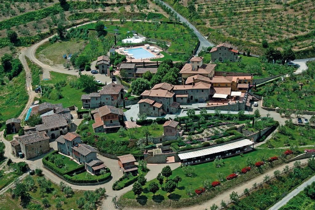 Azienda Agricola in vendita a Siena, 150 locali, zona Zona: Periferia, Trattative riservate | CambioCasa.it