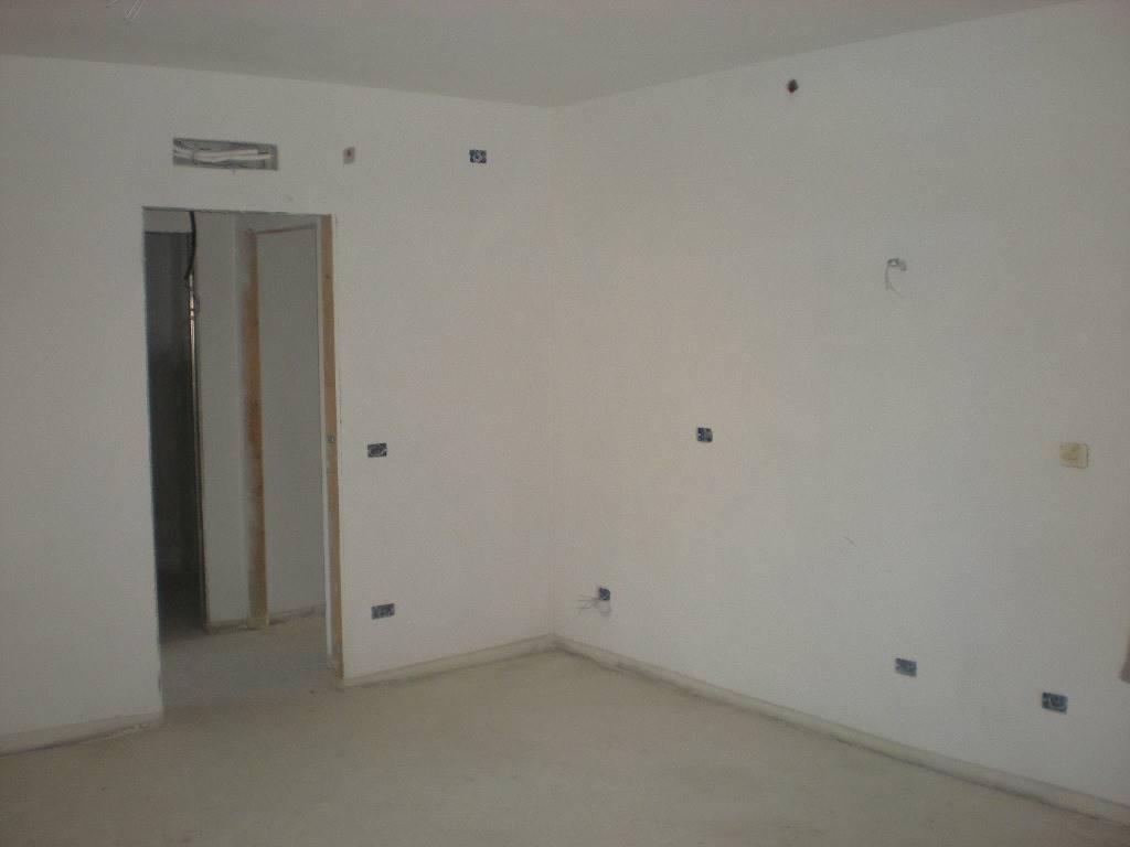 Appartamento in vendita a Follonica, 5 locali, zona Località: NUOVA, prezzo € 325.000 | Cambio Casa.it