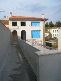 Ufficio / Studio in vendita a Camaiore, 4 locali, zona Località: CAMAIORE CAPEZZANO, prezzo € 120.000 | Cambio Casa.it