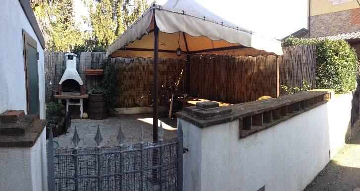 Casa semi indipendente, Pontemazzori, Camaiore, in ottime condizioni