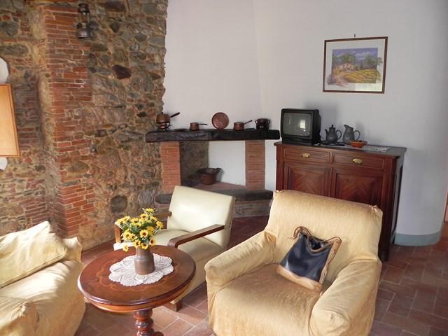 Rustico / Casale in affitto a Camaiore, 5 locali, zona Località: CAMAIORE NOCCHI, prezzo € 700 | Cambio Casa.it