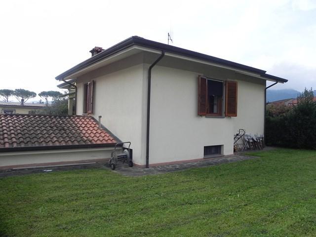 Villa in affitto a Camaiore, 10 locali, prezzo € 1.500   Cambio Casa.it