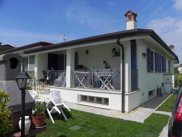 Villa a schiera, Camaiore, in ottime condizioni