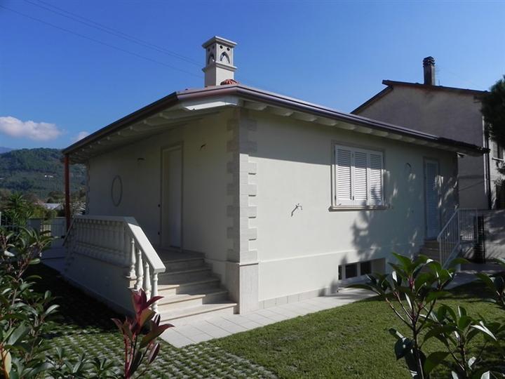 Villa, Camaiore, in nuova costruzione