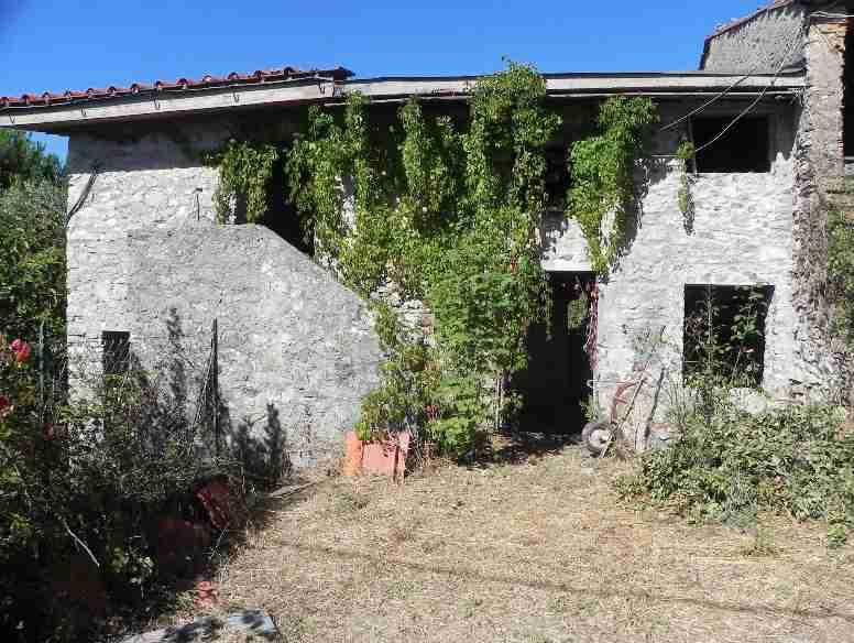 Terratetto, Santa Maria Albiano, Camaiore, da ristrutturare