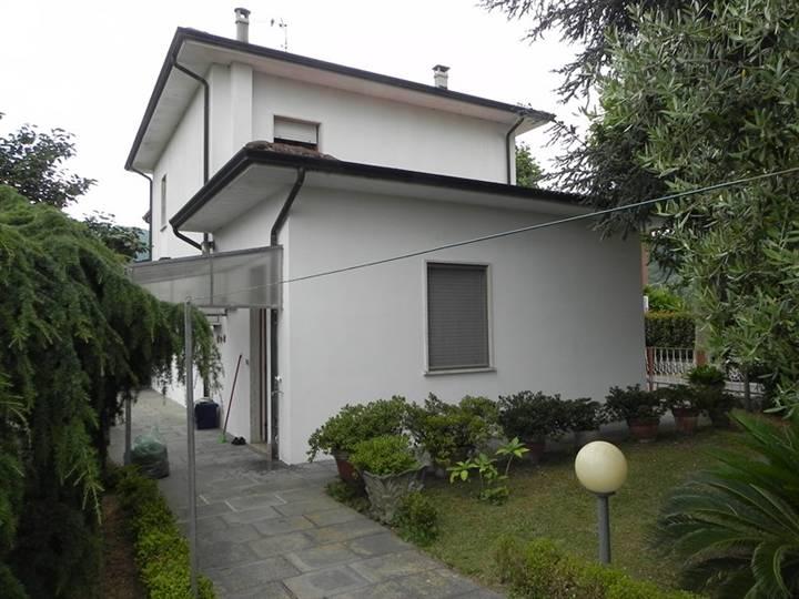 Villa in affitto a Massarosa, 7 locali, zona Località: MASSAROSA STIAVA, prezzo € 850 | Cambio Casa.it