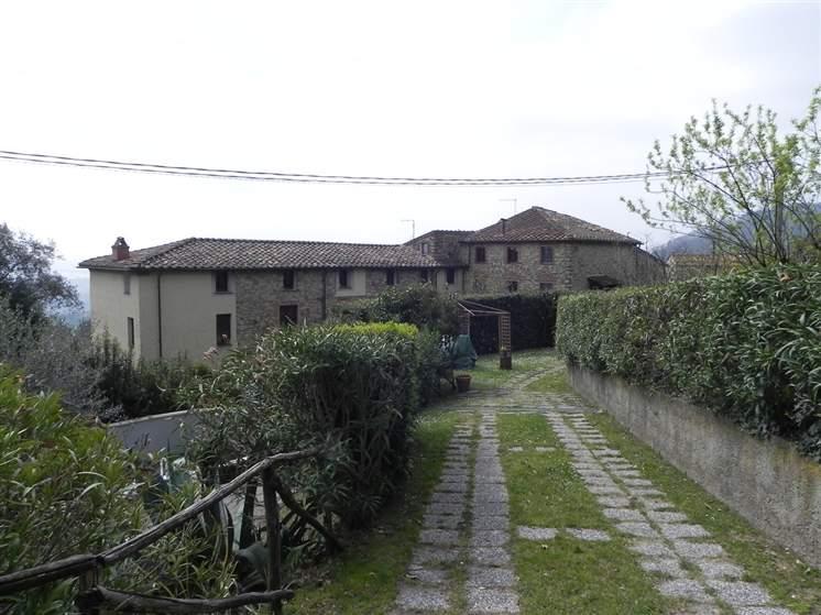 Rustico / Casale in vendita a Massarosa, 8 locali, zona Zona: Corsanico, prezzo € 320.000 | Cambio Casa.it