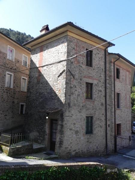 Rustico / Casale in affitto a Camaiore, 5 locali, prezzo € 600 | Cambio Casa.it