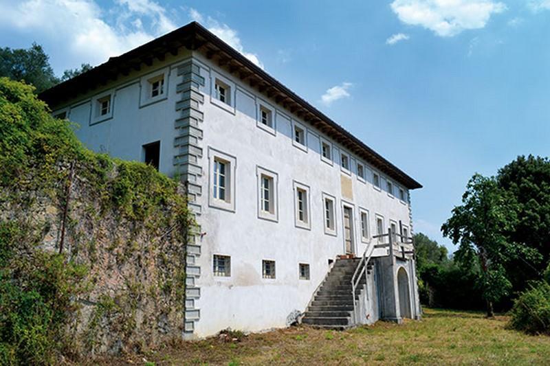 Villa, Camaiore, da ristrutturare