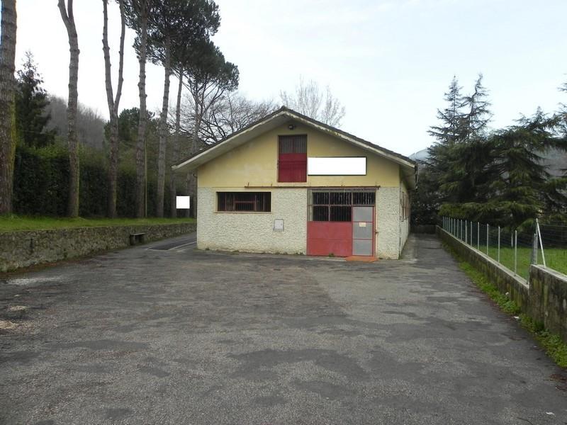 Palazzo / Stabile in vendita a Camaiore, 11 locali, prezzo € 330.000 | Cambio Casa.it