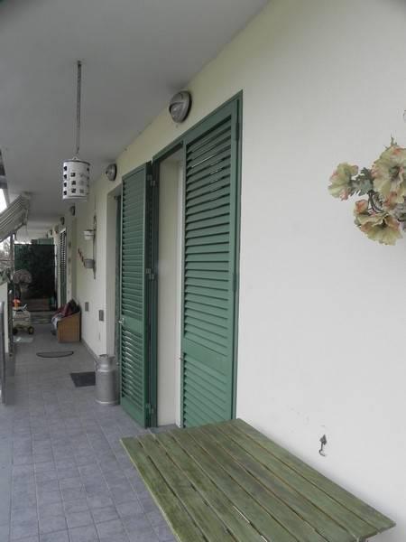 Appartamento in affitto a Massarosa, 7 locali, prezzo € 900 | CambioCasa.it