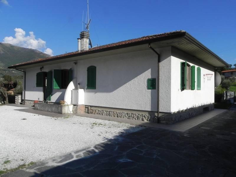 Villa in affitto a Camaiore, 10 locali, prezzo € 1.100 | Cambio Casa.it