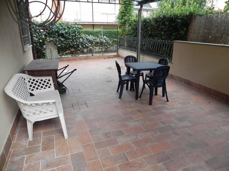 Soluzione Indipendente in affitto a Camaiore, 5 locali, prezzo € 750 | Cambio Casa.it