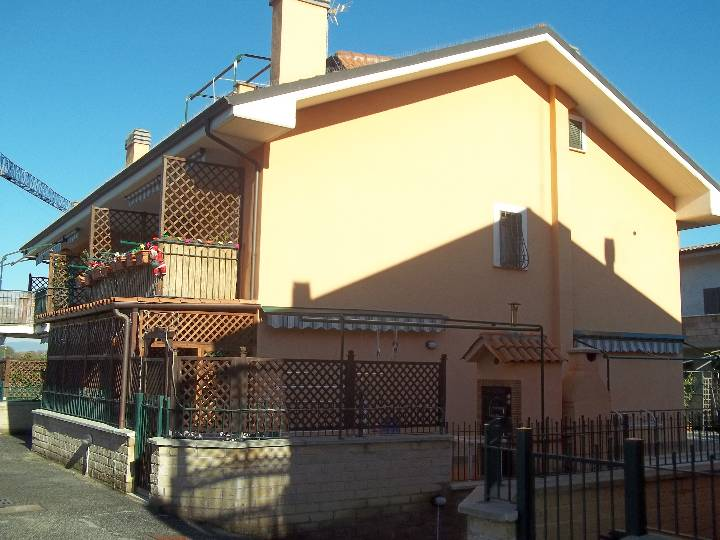 Appartamento in Via Castelchiodato, Monterotondo