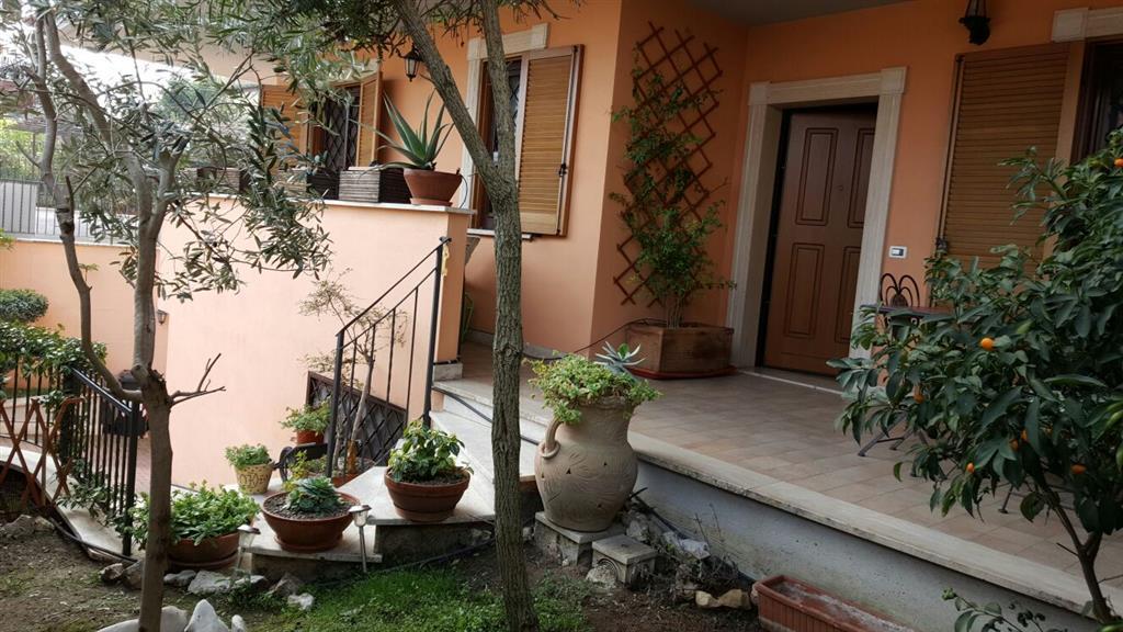 Villa in vendita a Monterotondo, 7 locali, zona Località: SAN LUIGI, prezzo € 319.000 | Cambio Casa.it