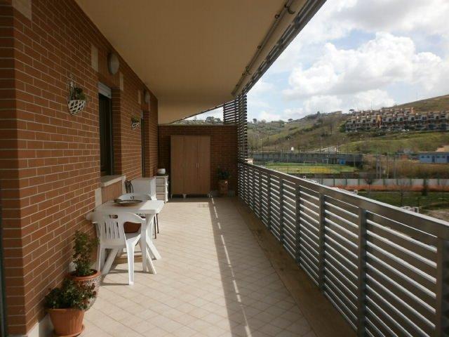 Trilocale in Via Del Commercio, Monterotondo Scalo, Monterotondo