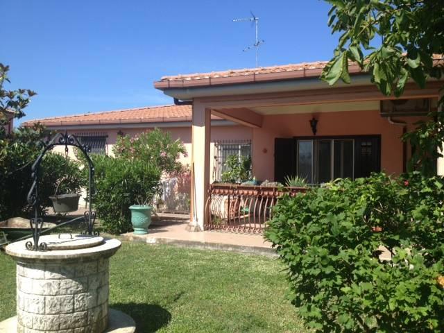 Villa in vendita a Montelibretti, 15 locali, zona Località: LA TENUTA, prezzo € 850.000 | CambioCasa.it