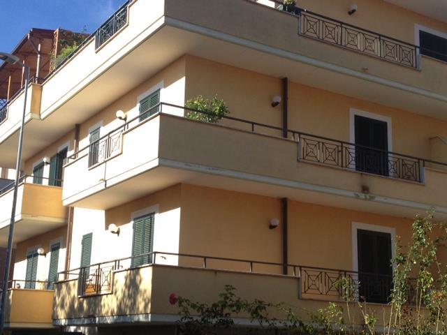 Trilocale in Via Valli Teverine, Monterotondo Scalo, Monterotondo