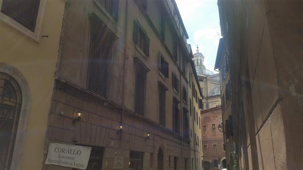 Magazzino in Via Del Corallo, Centro Storico, Roma