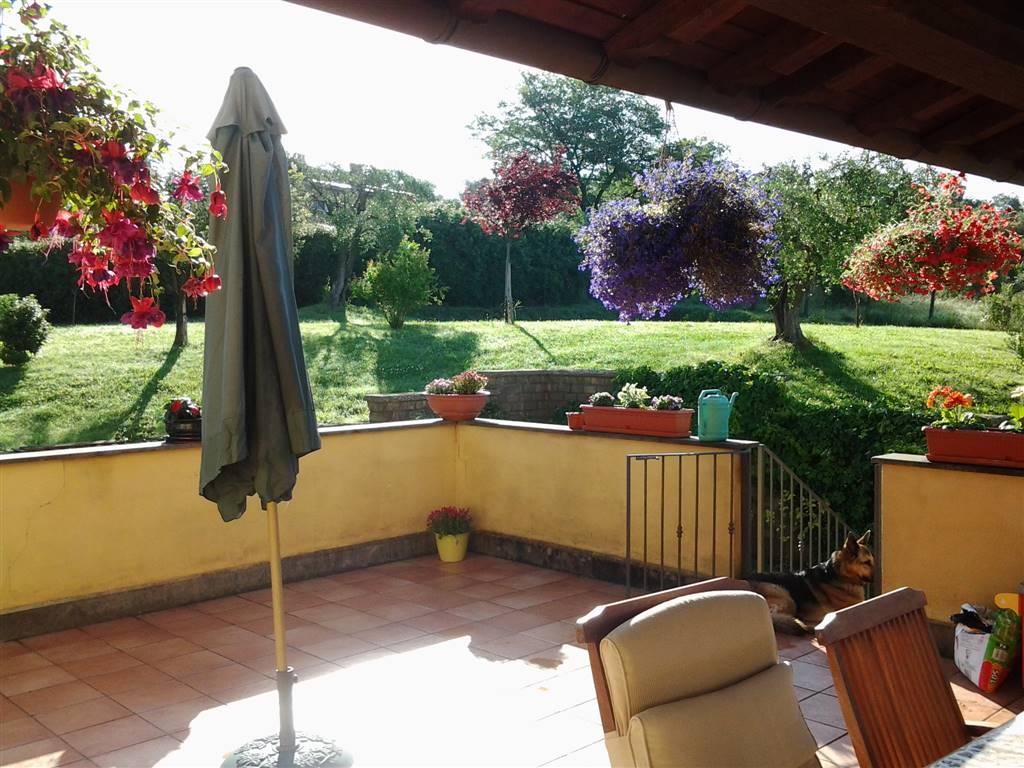 Villa in vendita a Fiano Romano, 11 locali, prezzo € 239.000   CambioCasa.it